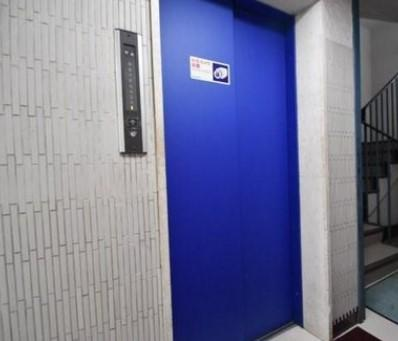 マンションVIP新宿柏木のエレベーターです。