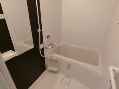 【浴室】メゾンベルⅢ