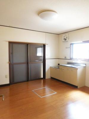 【居間・リビング】向陽台5丁目貸家