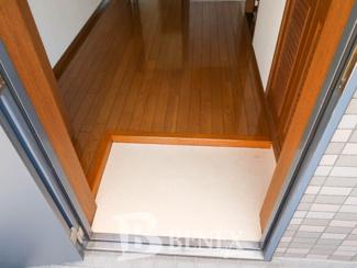 スリーベルマンションⅠの玄関です