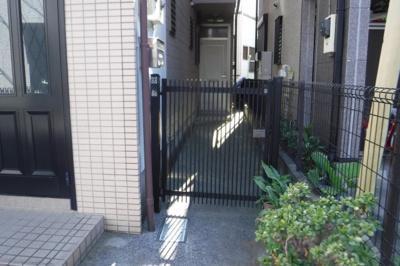 【エントランス】HOUSE北加瀬