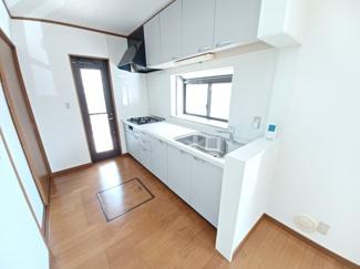 グランファミーロ リ・スタイル貝塚 豊富な収納スペースと合わせ、利便性が高い2WAY動線です!