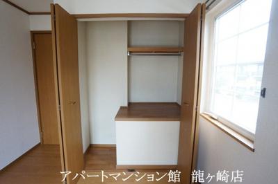【寝室】クリスタルカーサB