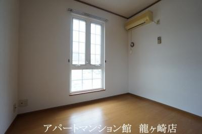 【エントランス】クリスタルカーサB