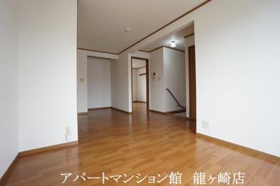 【居間・リビング】クリスタルカーサB