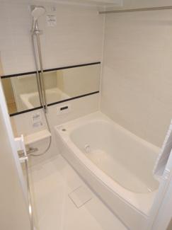 浴室乾燥機付お風呂です。