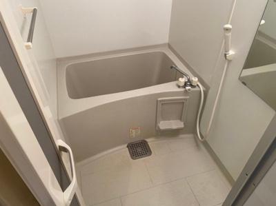落ち着いた空間のお風呂です 【COCO SMILE ココスマイル】