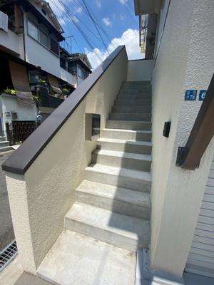■玄関は2階です♪♪