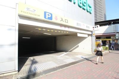 地下に時間貸し駐車場