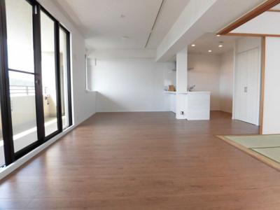 【居間・リビング】グリーンマンション神松寺ナチュレ1番館