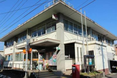 伊万里郵便局まで520m