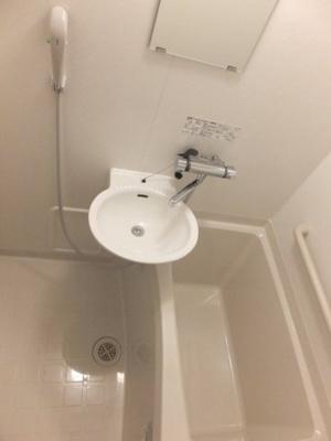 浴室換気乾燥機付きなので、洗濯物も乾かせます!