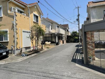【前面道路含む現地写真】堺市西区浜寺昭和町3丁 中古戸建