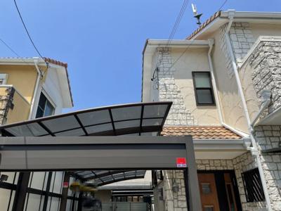 落ち着きある住宅街、一種低層住居専用地域内に位置しています。