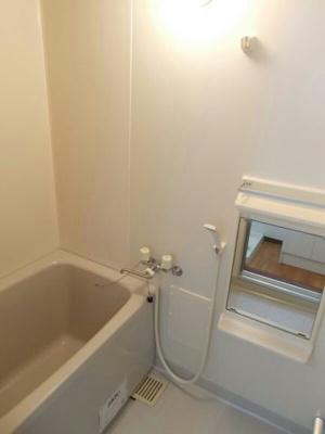 【浴室】オークフルカワ
