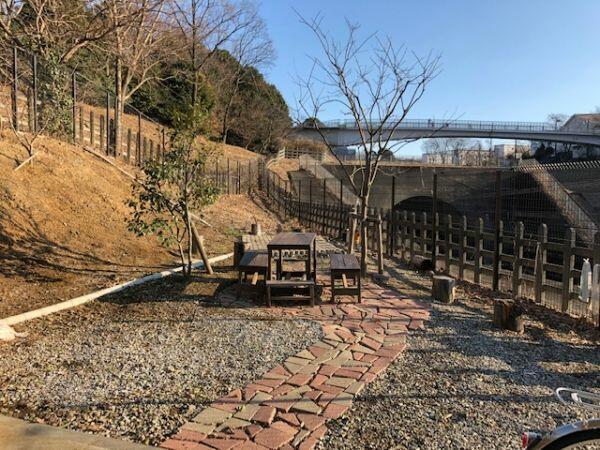 【庭】プレシス多摩永山レヴィエ