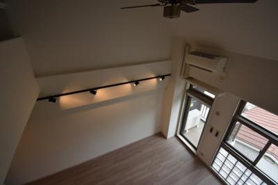 オシャレなメゾネットタイプ 天井高く開放的です レジディア六本木桧町公園
