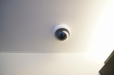 「防犯カメラあります」