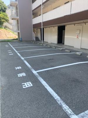 【駐車場】北須磨団地D-2棟