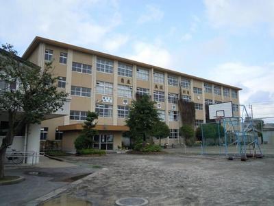 鹿児島市立甲南中学校まで885m