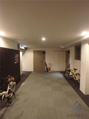 各フロア内廊下