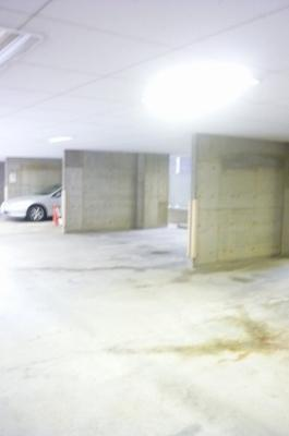 「敷地内には駐車場がございます」
