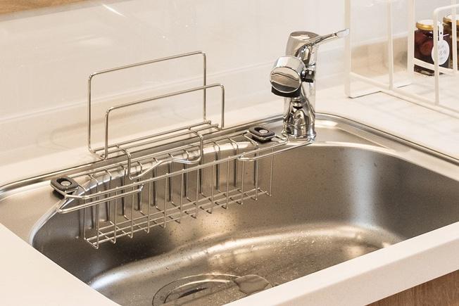 ◇Powder room◇三面鏡の裏には収納スペースもしっかりと。メラミン化粧板を使った収納扉は掃除がしやすく衛生的♪いつでも気持ちよくお使いいただけます。【同仕様】
