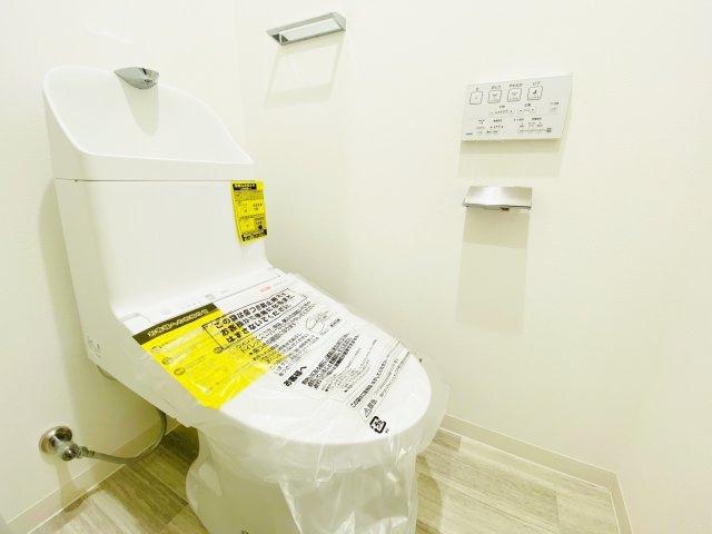 ウォシュレット付きトイレ新規交換