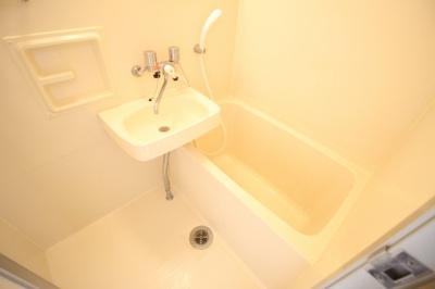 【浴室】クロッシングヴィラ悲田院