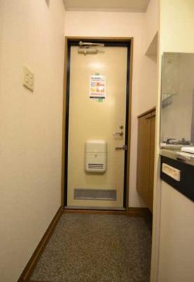 【玄関】グレイス下北沢 バストイレ別 室内洗濯機置場 南向き
