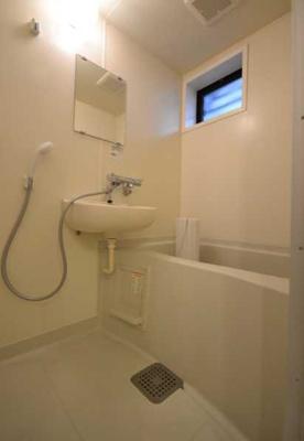 【浴室】グレイス下北沢 バストイレ別 室内洗濯機置場 南向き