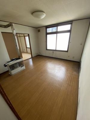 【居間・リビング】栄通18丁目 1棟アパート