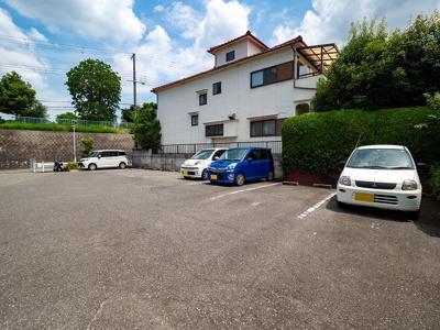 【駐車場】タウンハウス今寺1