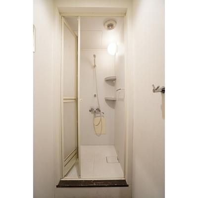 シャワールーム共用