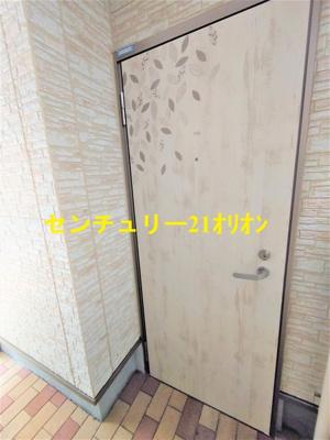 【玄関】クラッセ練馬III-1F