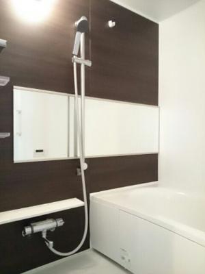 【浴室】サンライズスクエアⅢ
