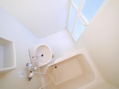嬉しいお風呂・トイレ別々のお部屋です。