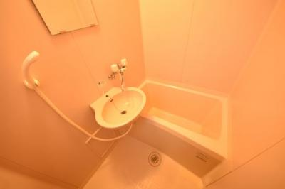 【浴室】ノーヴァ・エイト