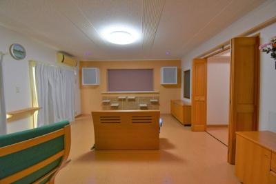 開放感のあるお部屋!2面採光の明るい寝室!