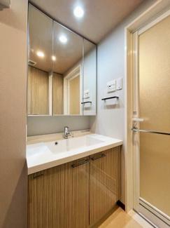 清潔なパウダールームは身だしなみチェックや肌のお手入れに最適です。 令和3年7月29日現在