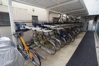 2021年7月30日撮影 隣の自転車とぶつからずに大切な自転車を置けます♪