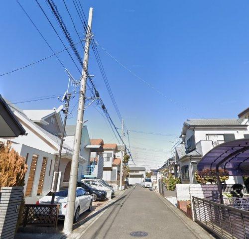 小田急線「伊勢原」駅まで徒歩12分の好立地◎ 閑静な住宅街にございます。