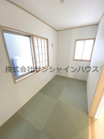1階4帖の和室です!リビングの隣にあるので、ゆったりとくつろぎスペースでいかがですか?