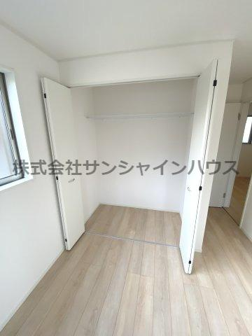 2階6.0帖の洋室の収納です!