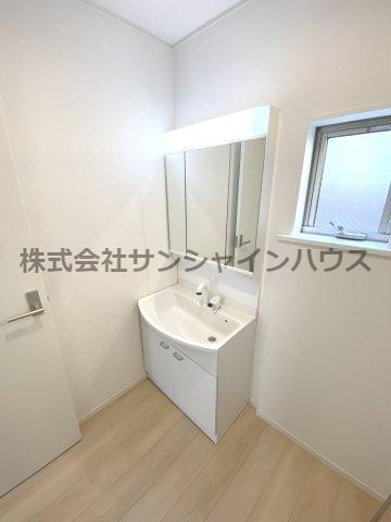 3面鏡洗面台ですよ!