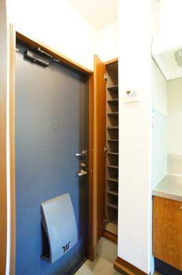玄関にはゆとりのシューズBOX♪※同一間取り1階の写真です。