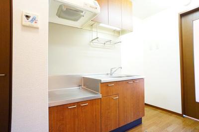 キッチンには2口ガスコンロ設置可能♪※同一間取り1階の写真です。