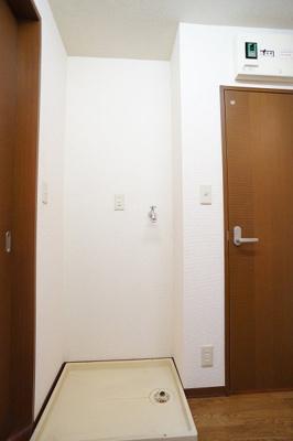 洗濯機置き場はもちろん室内♪※同一間取り1階の写真です。