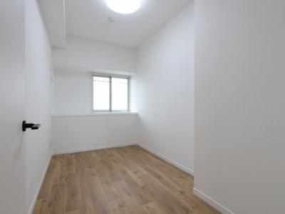 個人の部屋や寝室として使える洋室です:リフォーム完了しました♪平日も内覧出来ます♪