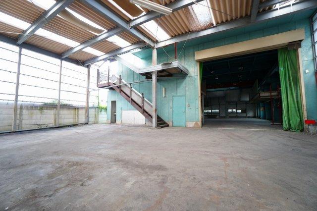 工場・倉庫前のエントランス部分(2020年7月撮影) 駐車も可能です:三郷新築ナビで検索♪
